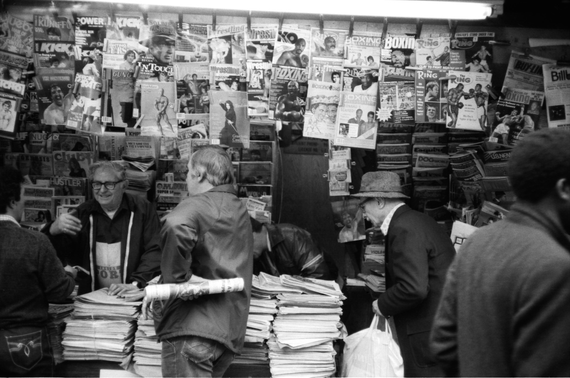 1982_newsstand_NYC_USA_by_vaticanus_333445080